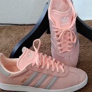 Adidas Gazelle women's shoes